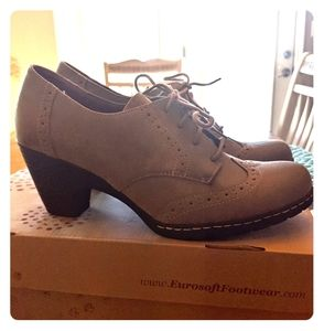 Euro soft theora shoes
